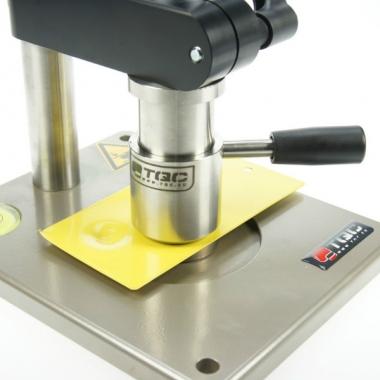 Прибор для определения прочности покрытий при ударе TQC SP1880