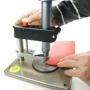 Прибор для определения прочности покрытий при ударе TQC SP1880 - купить в Украине